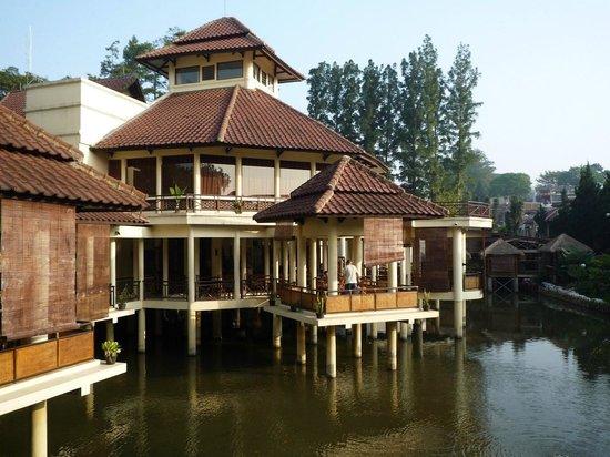 Karang Setra Hotel & Cottages: achterbouw2