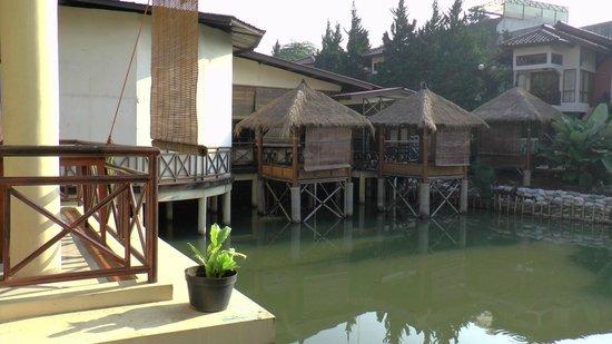 Karang Setra Hotel & Cottages: achterbouw5