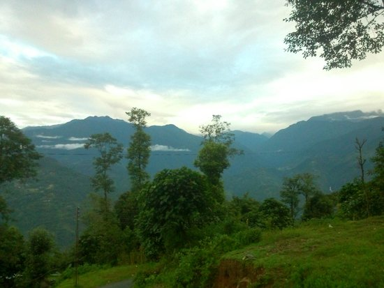 Himalayan Retreat & Resort: view from roof....