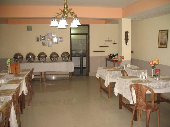 Himalayan Retreat & Resort: hotel's in-house restaurant..