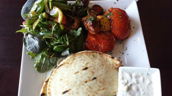 Off The Boat Fish Grill: Gyro Plate