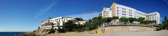 H·TOP Caleta Palace: H TOP Caleta Palace - вид с пляжа