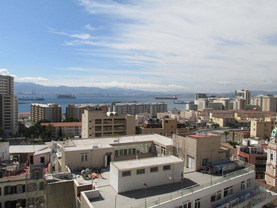 ذا أوكالاجان إليوت هوتل: A view from the roof of the hotel facing west.