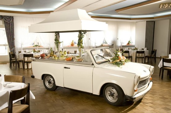 Gasthof Dueckinghaus: Buffet-Trabbi