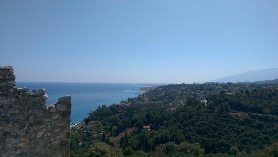 Evdion Hotel: Aussicht von der Burg Platamonas