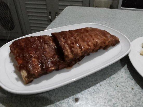 Aussie Burger & Sports Bar: Pork spare ribs.