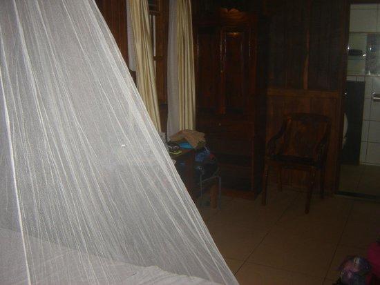 Omsam Guest Home: Dettaglio Camera ( la zanzariera è mia personale ! )