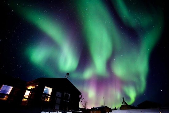 Charming Aurora Village: Northern Lights(3) Yellowknife, Canada Photo Gallery