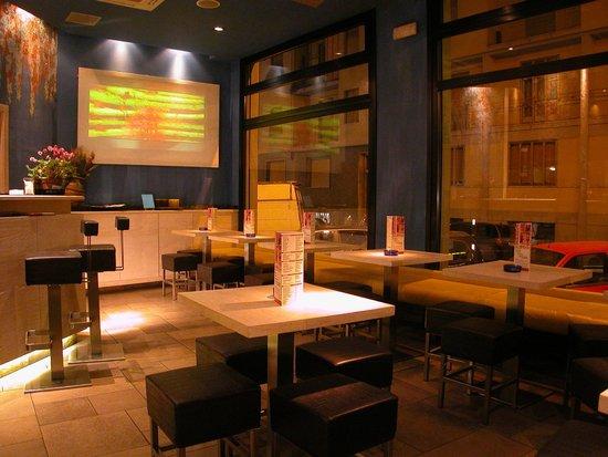 Baraka Cafe: Interior