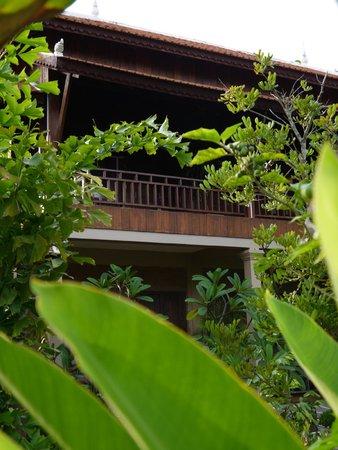 Maisons Wat Kor : vue de la chambre