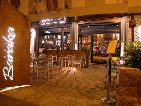 Baraka Cafe: Outside