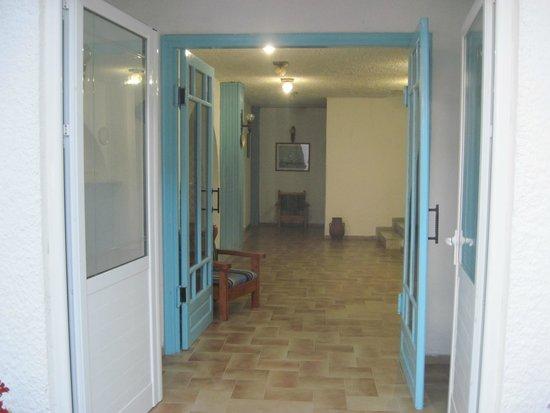 Achaios: La hall di ingresso