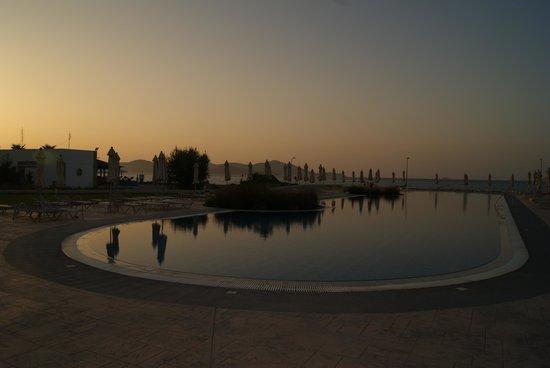 Zorbas Beach Hotel: Fun in the sun