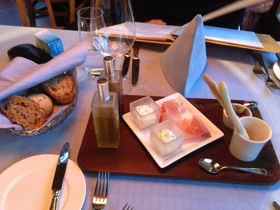 Seehotel Sternen: Nice welcome with ham and butter