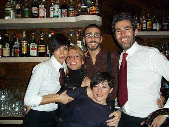 Baraka Cafe: Friends