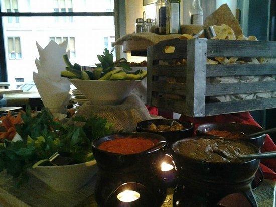 Baraka Cafe: Buffet aperitivo