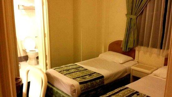 Mahkota Hotel Melaka: Twin bed room