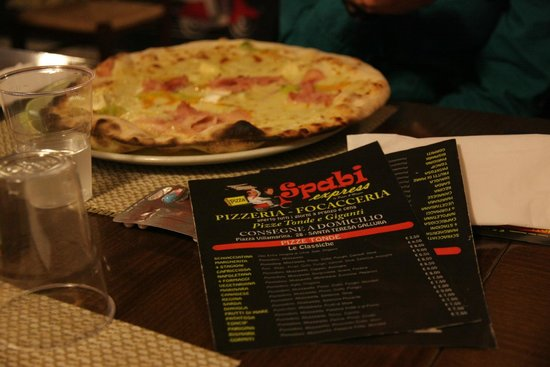 Pizzeria Spabi Express: la pizza  di  spabi express