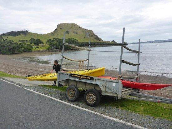 Pacific Coast Kayaks: Mark am ausladen