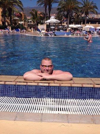 Sunlight Bahia Principe Costa Adeje: Infinity pool