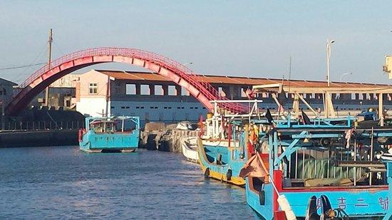 Cin Zih Bridge: Chu-wei fisherman village,  Cin Zih bridge
