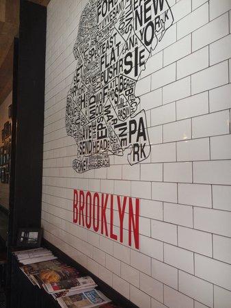 Brooklyn Pizza Express: Wall