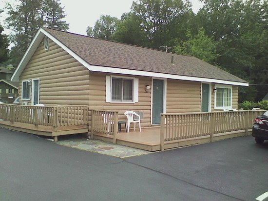 Sundowner Motel: Lakeside cabin
