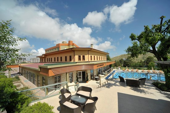 Dinler Hotels - Nevsehir: General View of Main Building and Pool Area
