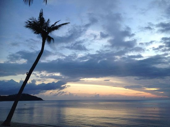 نورا بيتش ريزورت آند سبا: beach in the morning
