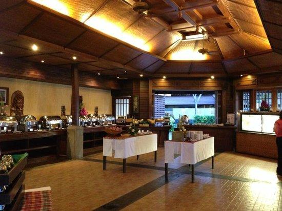 نورا بيتش ريزورت آند سبا: breakfast restaurant