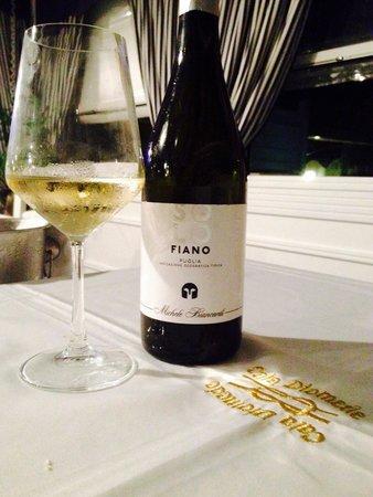Cala Diomede: Ristorante di classe e vino delle Cantine Biancardi perfetto per l'occasione speciale!