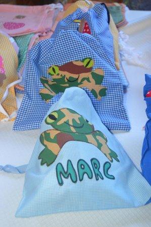 Mercado Agro Artesanal: Textiles con materiales recicaldos