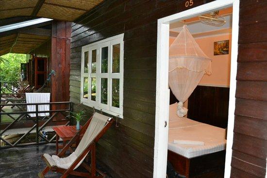 Pan's Guest House: terasa
