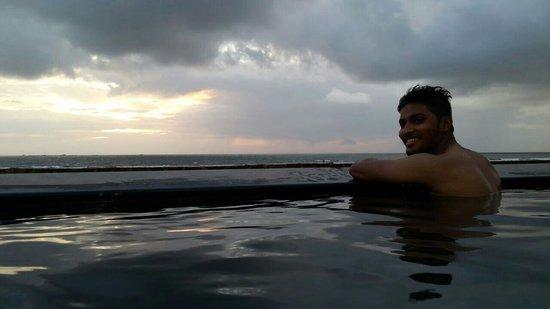 Avisa Nila Beach Resort: View from the pool