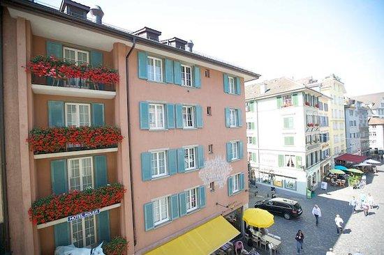 Hotel Wellenberg: View of platz below.