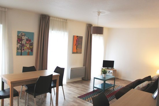 Avignon Republique: Appartement 4adultes - Séjour