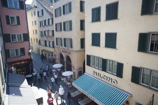 Hotel Wellenberg: View of strasse below.