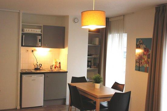 Avignon Republique: Appartement 4 adultes - Cuisine