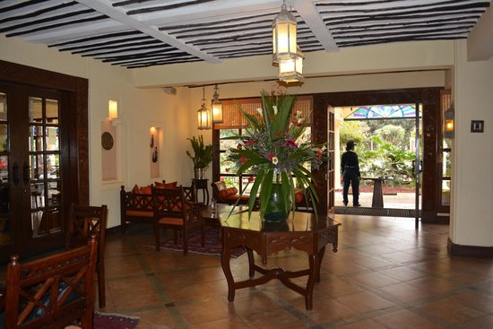 The Heron Portico: Lobby area