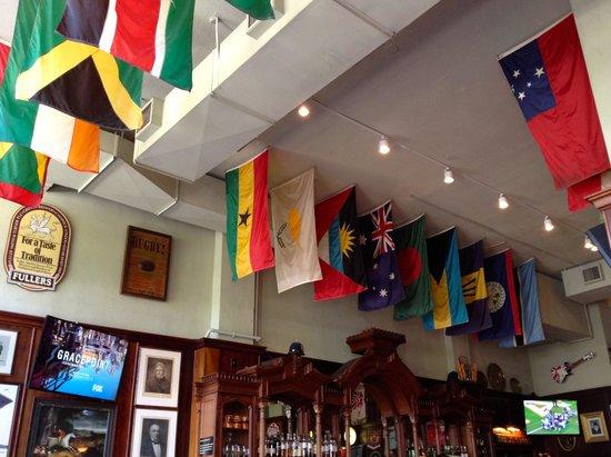 Brit's Pub & Eating Establishment: International welcome