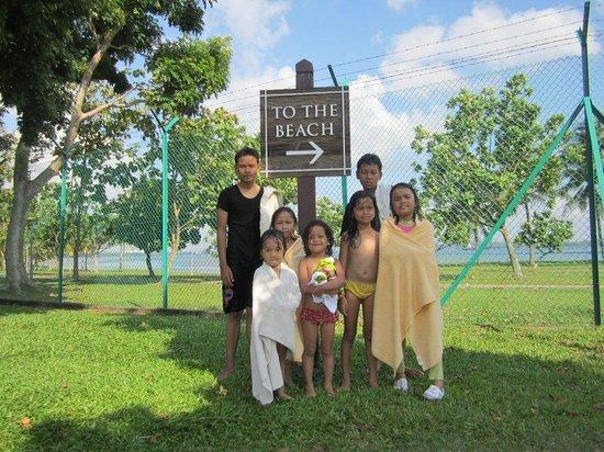 CherryLoft Resorts: anak anak sehabis berenang