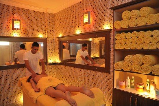 Dinler Hotels - Nevsehir: Massage at the Activity Center