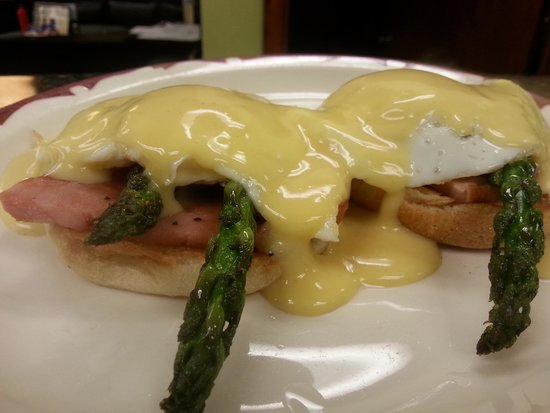 Little Fat Gretchen's: eggs Benedict with fresh asparagus