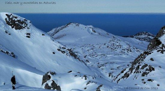 La Casona de Con: Montañas y mar, Asturias.