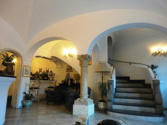 هوتل ريجينيلا بوزيتانو: reception area
