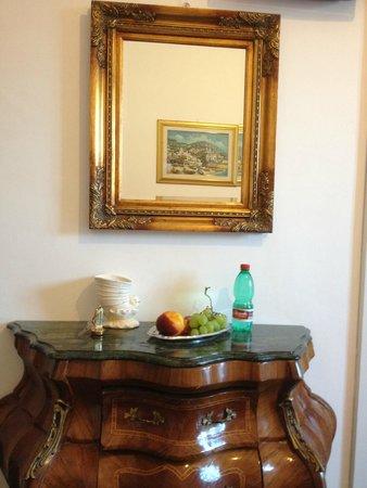 هوتل ريجينيلا بوزيتانو: room