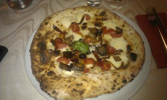 """Rosso Relativo 2: Pizza """"Di Valeria"""""""