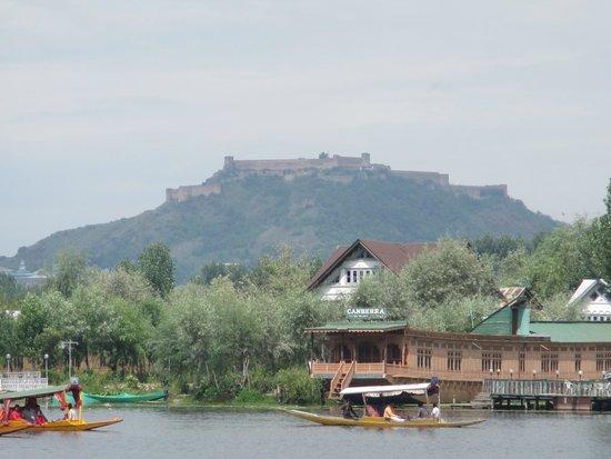 فيفانتا باي تاج - دال فيو سريناجار: The Fort