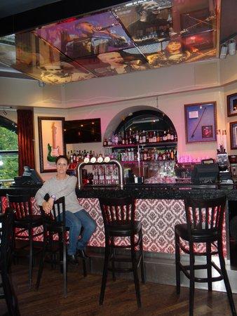 Hard Rock Cafe: Barra piso superior