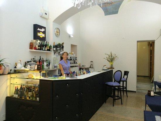 La Grande Bellezza RistoBar: Il bar e Sofia